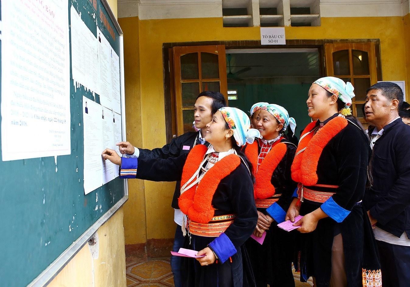 Elections legislatives et des membres des Conseils populaires de tous niveaux : la Fete du peuple hinh anh 2