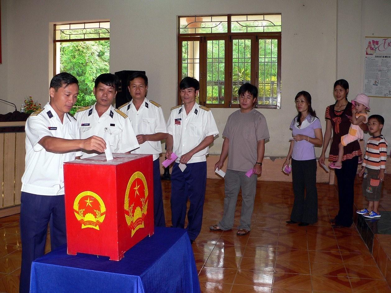 Elections legislatives et des membres des Conseils populaires de tous niveaux : la Fete du peuple hinh anh 6