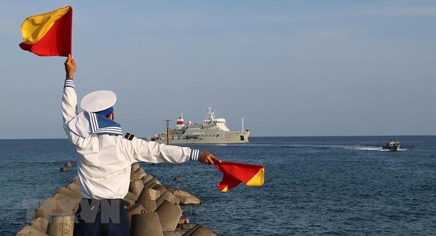 Le drapeau national sacre sur l'archipel de Truong Sa (Spratleys) hinh anh 2